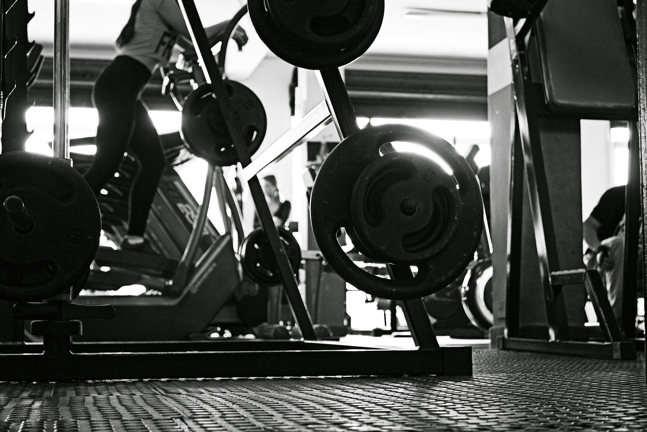 Pixabay_Black and White Pic Of a lady at gym